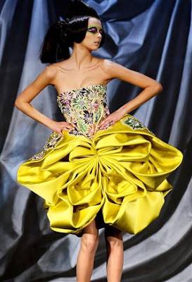 yellow dress meaning kudos
