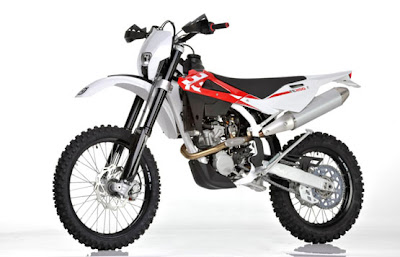 2011 Husqvarna TE 250 enduro bike