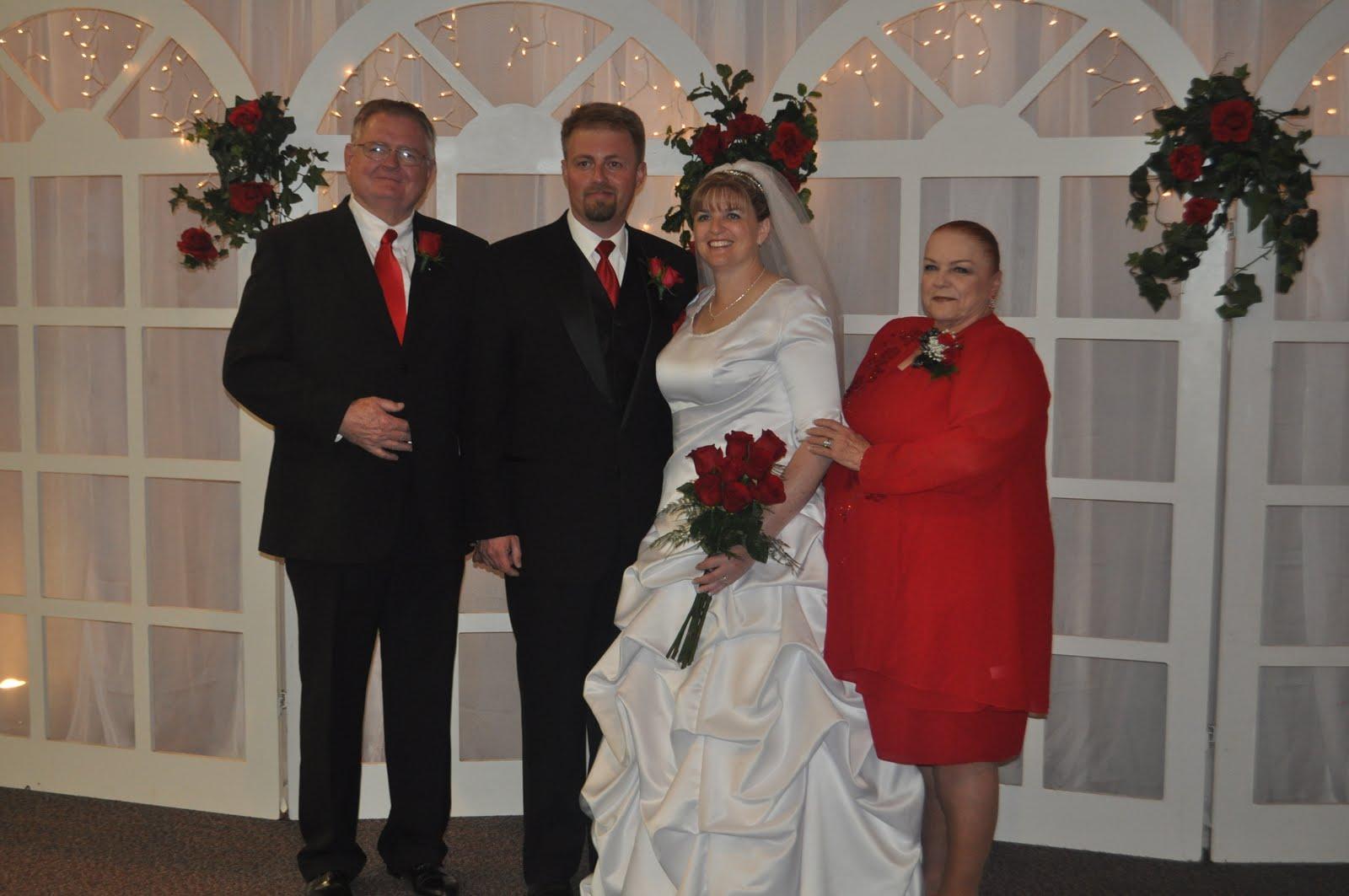 http://3.bp.blogspot.com/_iN8nY_Avlk0/TBaiiEZ-D1I/AAAAAAAAAPQ/9dcdL2Pl8TU/s1600/wedding+073.jpg