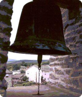 http://3.bp.blogspot.com/_iNXIcT7c3TU/S9E9CBd7s2I/AAAAAAAAAaA/uQDt3_DcaVc/s400/campanas2+cuatro.jpg