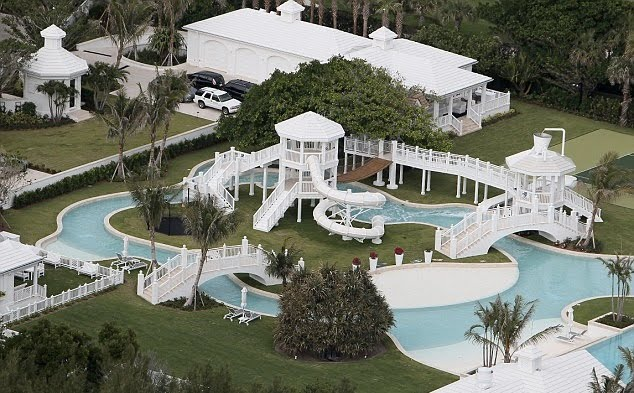 Big show in the morning celebrity and entertainment news - Celine dion swimming pool ...