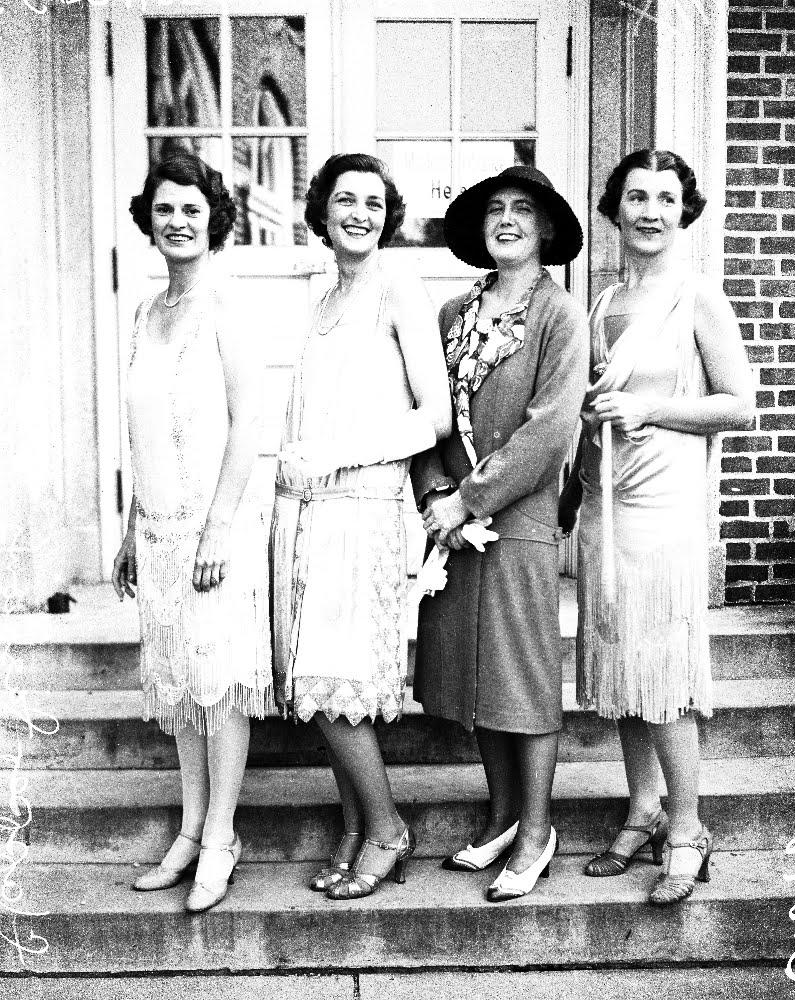 1920 S Fashion Belladonna
