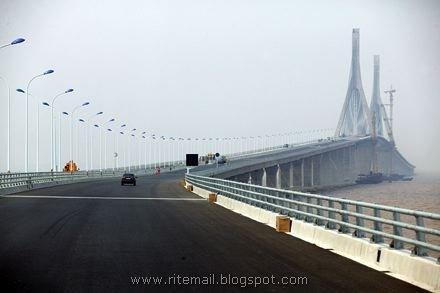 Donghai Bridge - Shanghai Yangshan Island