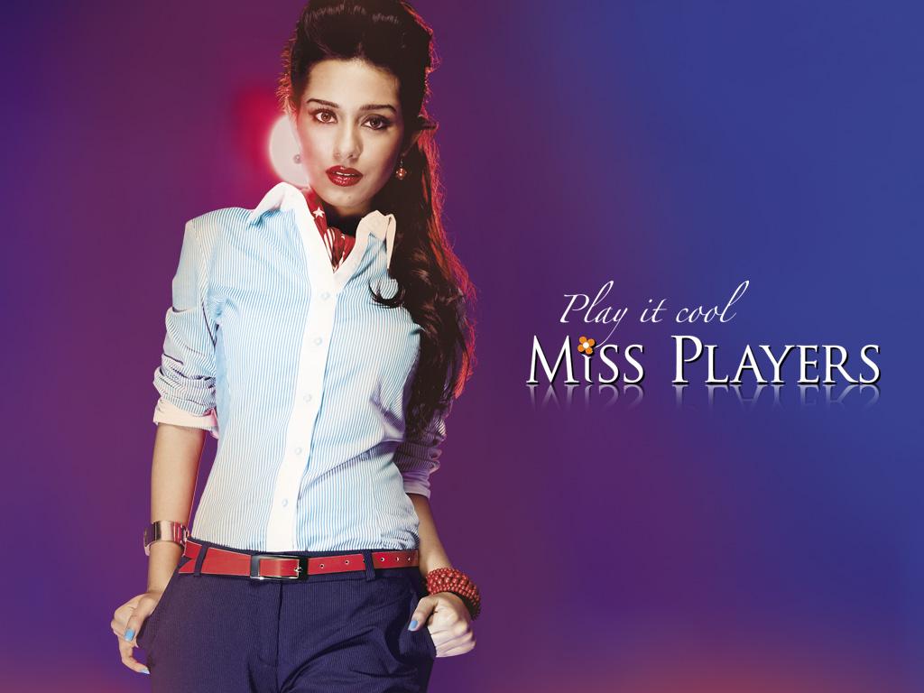 [amrita-rao-miss-players-winter-collection2008_521_122_80lo.jpg]
