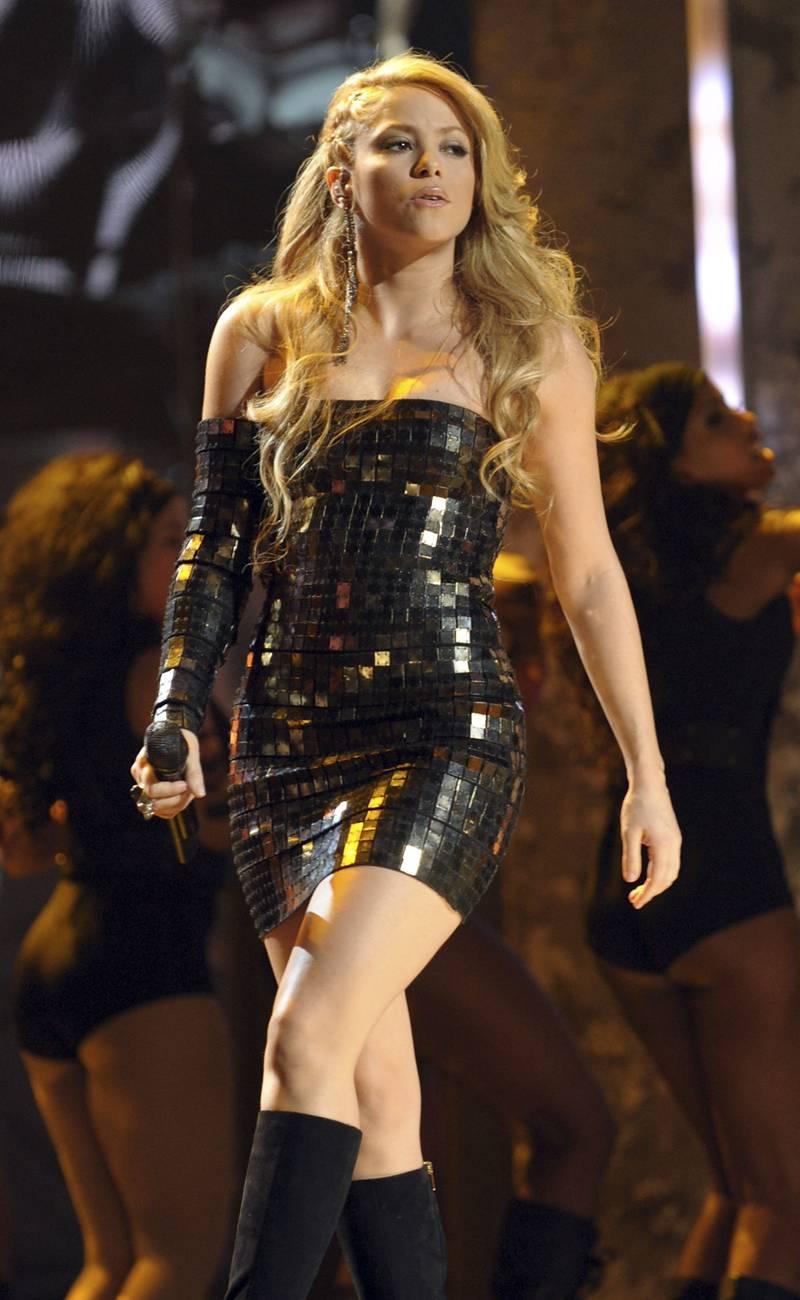 Shakira hot photos
