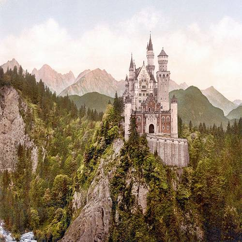 Neuschwanstein Castle: the Classic Fairytale's Castle 