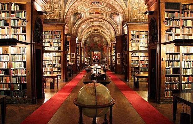واشهر مكتبة العالم Libraries_002.jpg