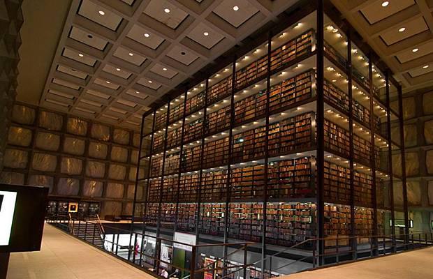 واشهر مكتبة العالم Libraries_007.jpg