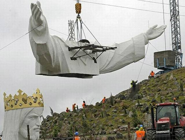 World's Largest Jesus Christ Statue