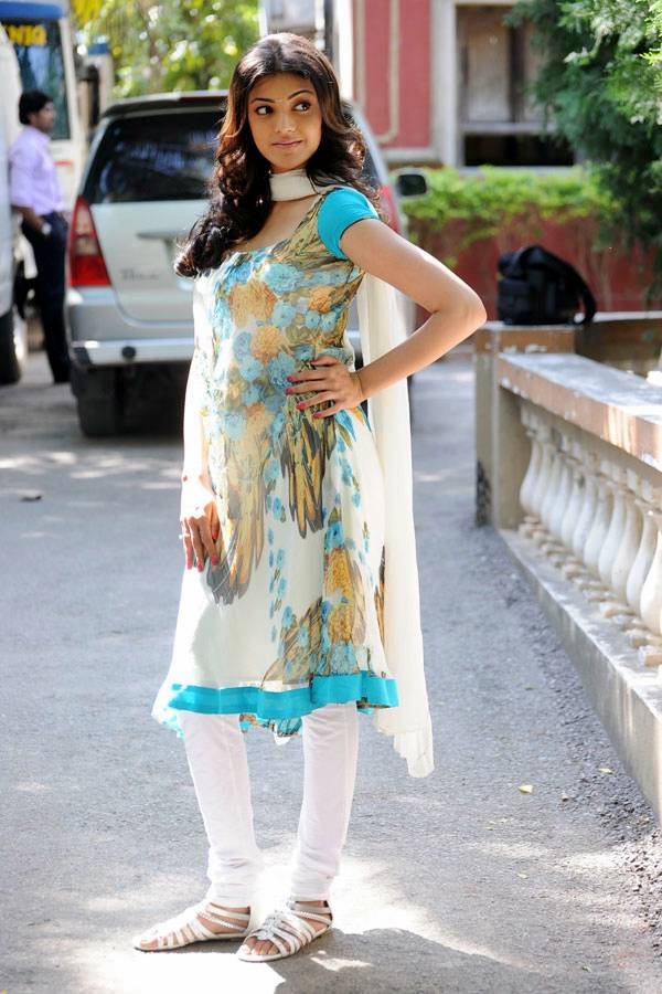 kajal agarwal traditional dress - photo #7