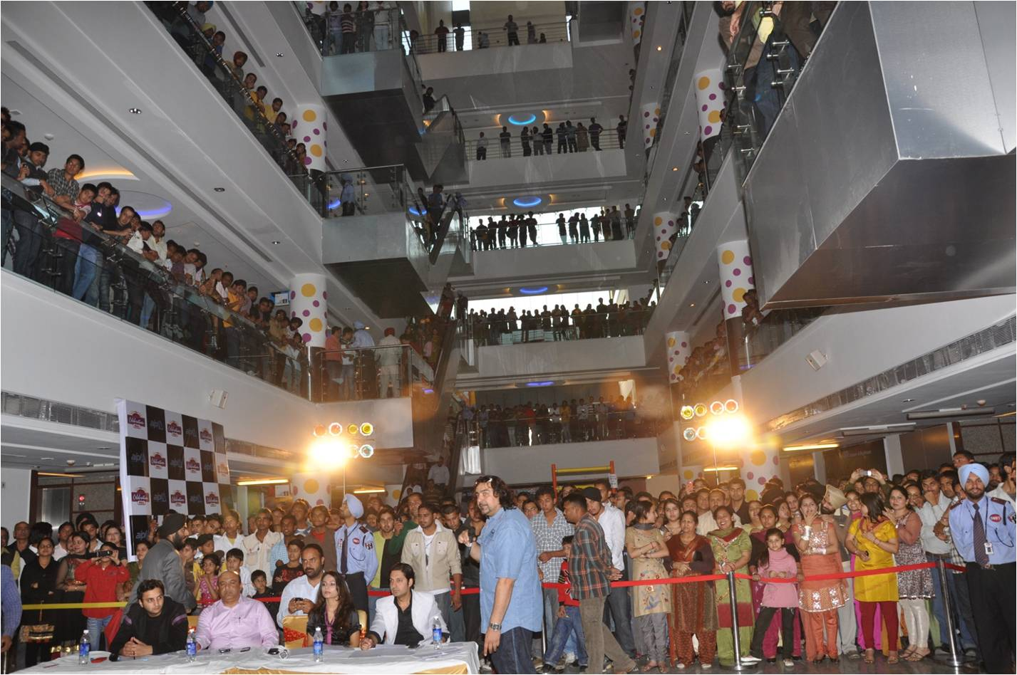 shopping in malls in india Shopping malls are fast becoming a central part of life in urban india demand  projections for mall space in india are lucrative however, the.