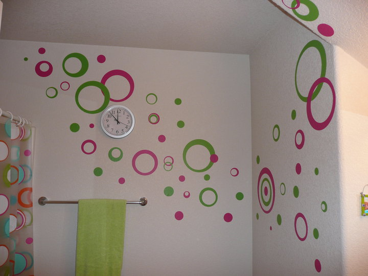 Decorating with Wall Vinyl: Bathroom Wall Decor - Wall Sticker Circles