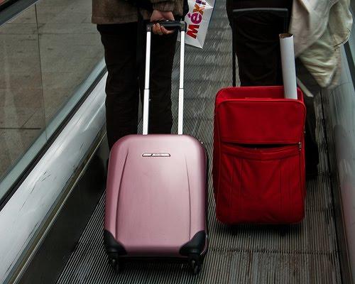 Bagaglio a mano normative e consigli il - Quante valigie si possono portare in aereo ...