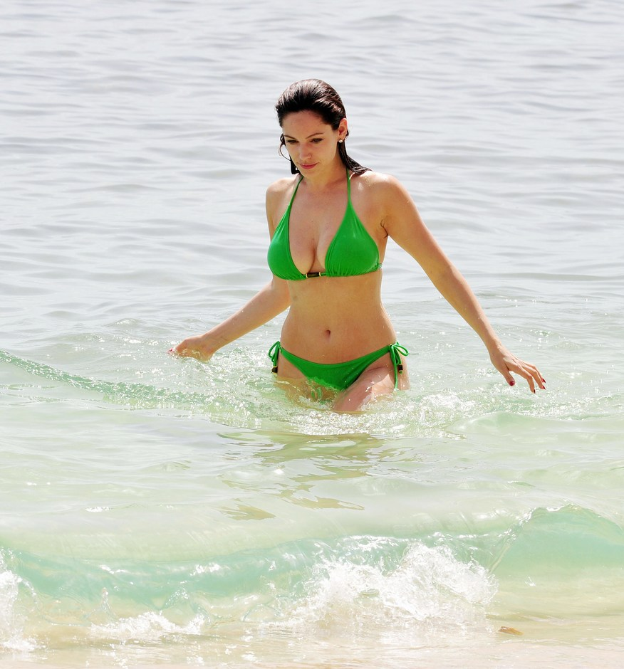 More Kelly Brook Bikini Pictures