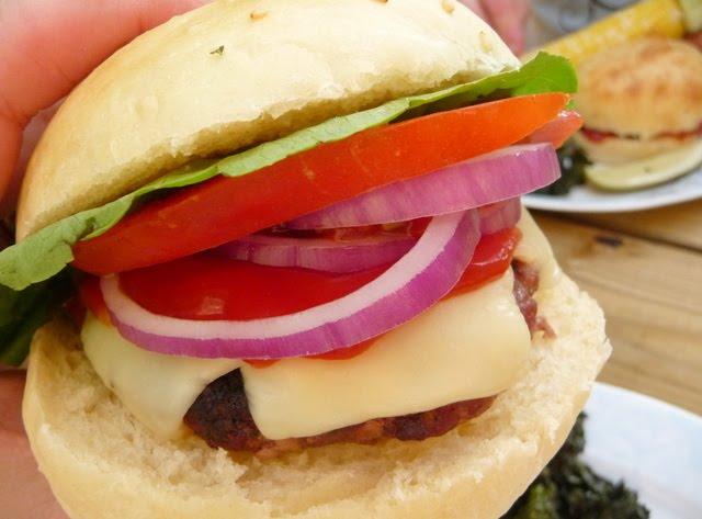 christine 39 s cuisine the perfect hamburger. Black Bedroom Furniture Sets. Home Design Ideas