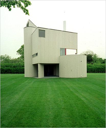 """FOR PILAR~: Gwathmey's """"Stalwart Little House,"""" built for ..."""