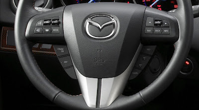 Mazda 3 steering wheel photo