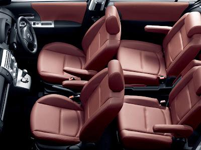 Mazda Premacy 7-Passenger seats