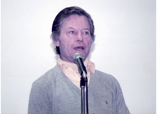 Deforest kelley forever december 2008 this is deforest at a convention in dallas texas in 1985 a big thank you to my good friend melinda for her permission to post this fantastic pic of de sciox Choice Image
