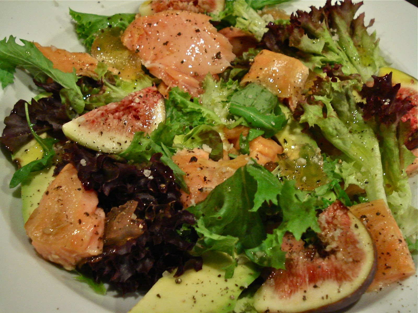 SALAD OF TEA SMOKED SALMON, FIGS AND MUSTARD FRUITS