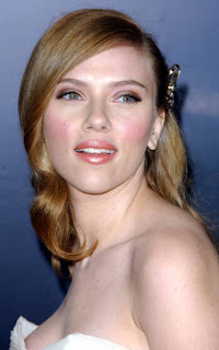 Scarlett Johansson designs bags to raise funds for Haiti relief fund