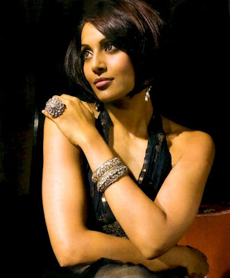 Bipasha Basu becomes New Face of Gili Diamonds