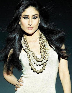 Kareena Kapoor plays a surgeon in Kambakth Ishq