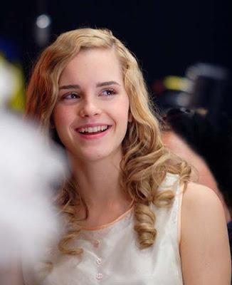 emma watson wallpapers hot. 2010 Emma Watson wallpapers,