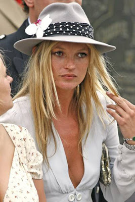Kate Moss- assets popping out