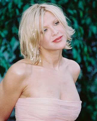 Courtney Love to launch lingerie store