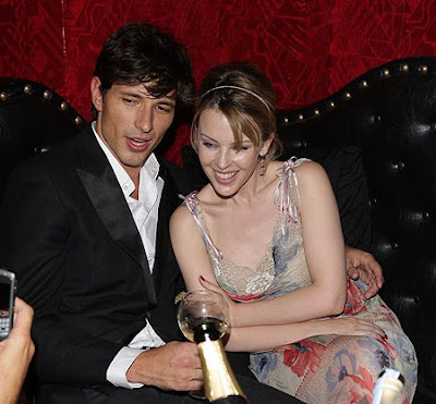 Kylie Minogue to marry Andres Velencoso