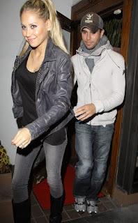 Is Anna Kournikova married to Enrique Iglesias?
