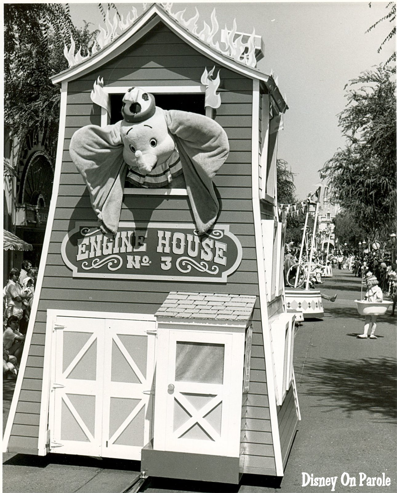 Anciennes Parades des Resorts Américains DOP+Dumbo+Parade+79