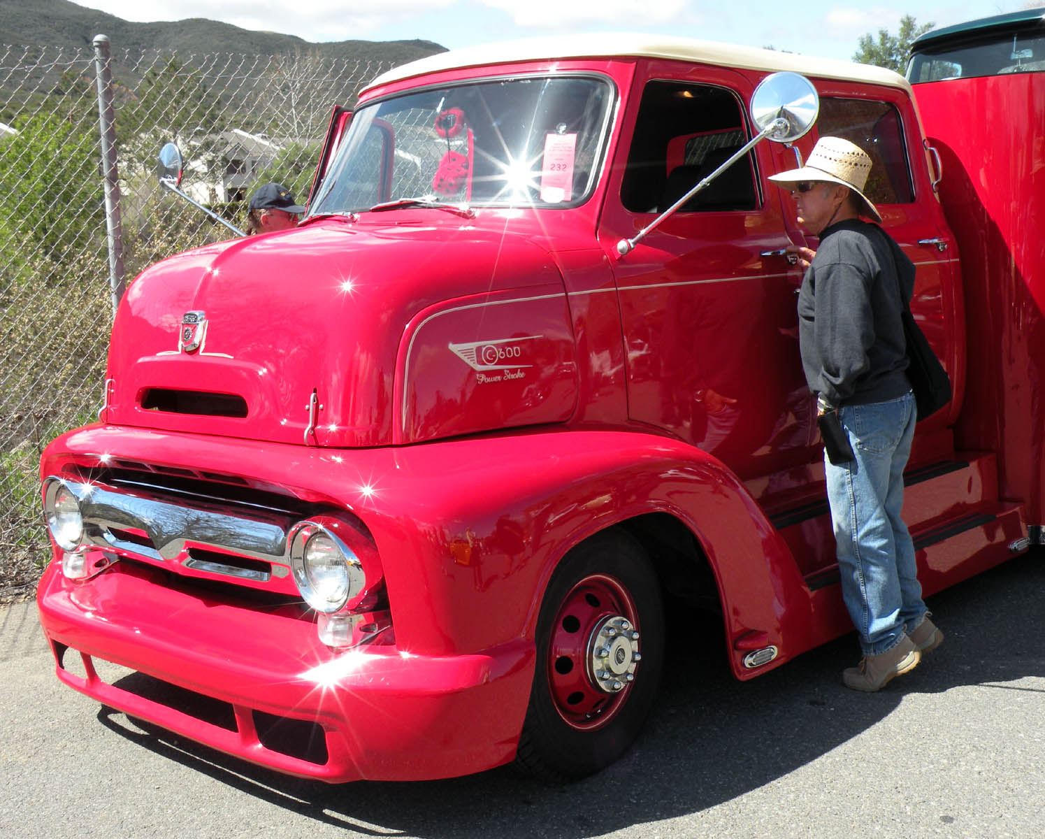 King cab 1950 s coe ford hauler from the temecula rod run
