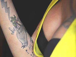 amy winehouse tatuagem