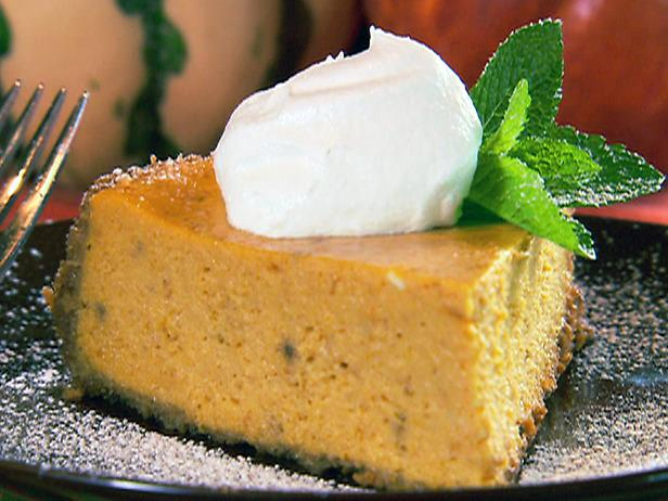 Pumpkin Cheesecake Recipe, pumpkin cheesecake, easy pumpkin cheesecake recipe, pumpkin pie recipe, pumpkin roll recipe with cream cheese filling, pumpkin cheesecake bars