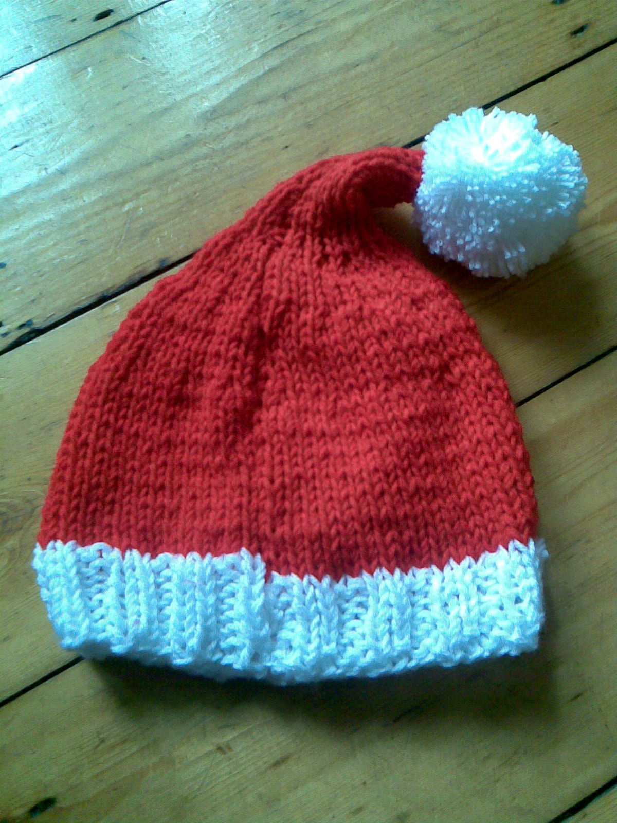 Knitting Patterns For Santa Hats : Musings of a knit-a-holic from Wales: Knitting Pattern: Santa hat