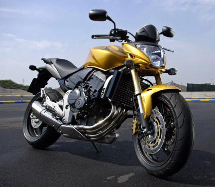 ely starkess: Honda CB600F Hornet