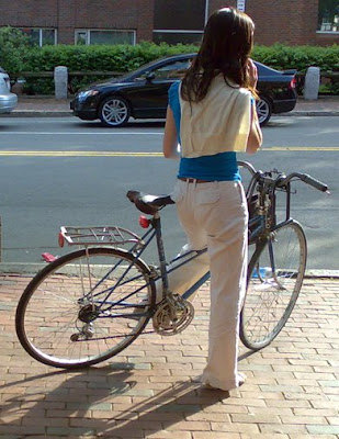 blue mixte matching girl