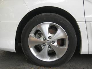 Toyota Alphard 17-inch Rims