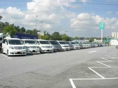 Toyota Alphard Gathered At Awan Besar
