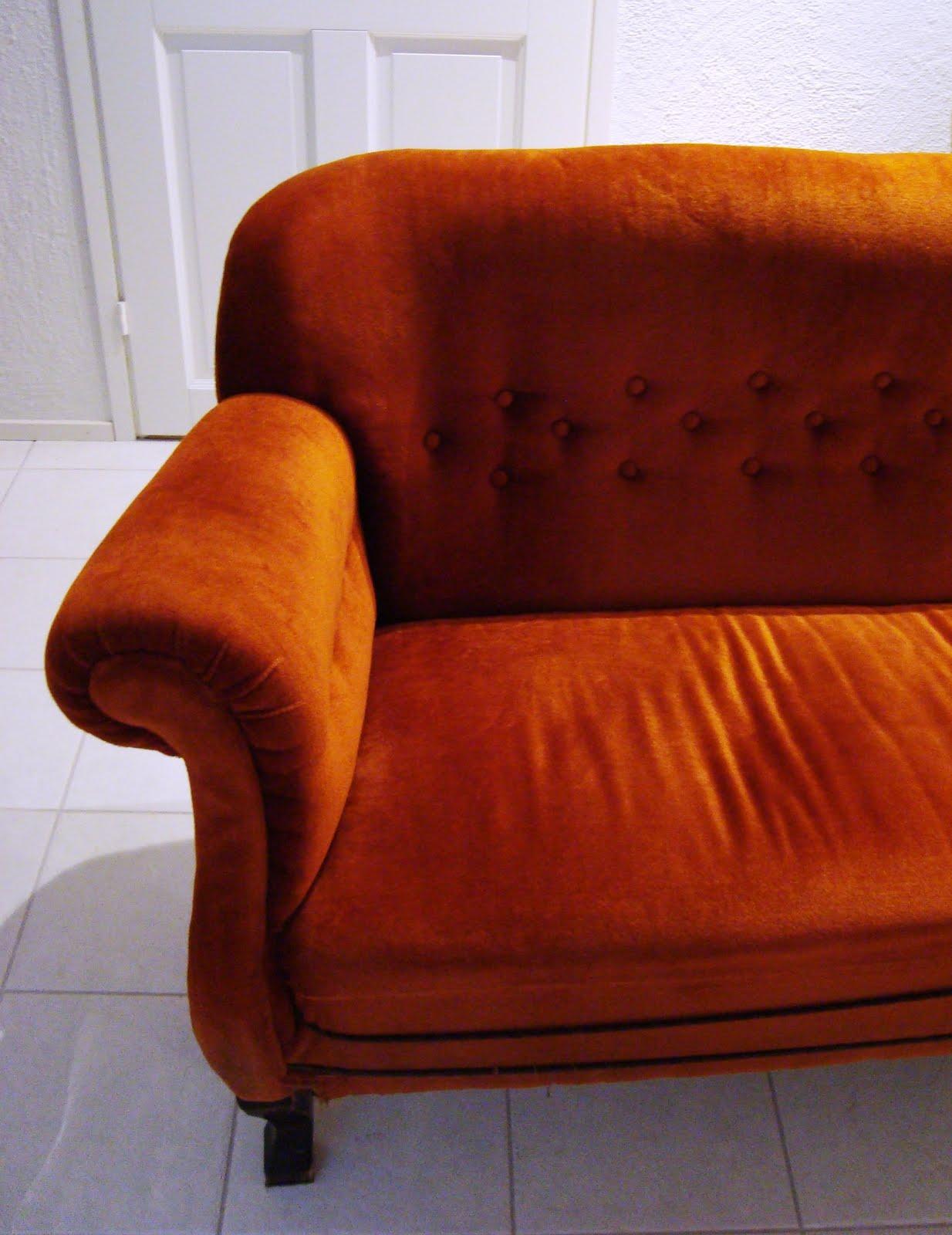 Olohuoneen Sohva : Tässä se nyt sitten on, siis sohva, jonka ostin. Verhoilua ja ...