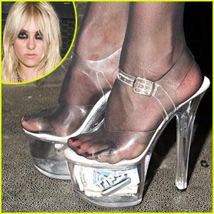 Taylor Y Sus Zapatos De Bailarina De Streaptease