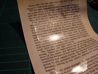 Как с помощью скотча перевести текст или картинку с одного листа бумаги на другой DSC03699