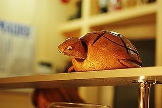 wooden turtle деревянная черепаха