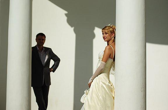 свадьба невеста жених колоннада wedding bride groom colonnade