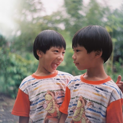 Facts  About Twins | Identical Twins Seen On www.coolpicturegallery.us