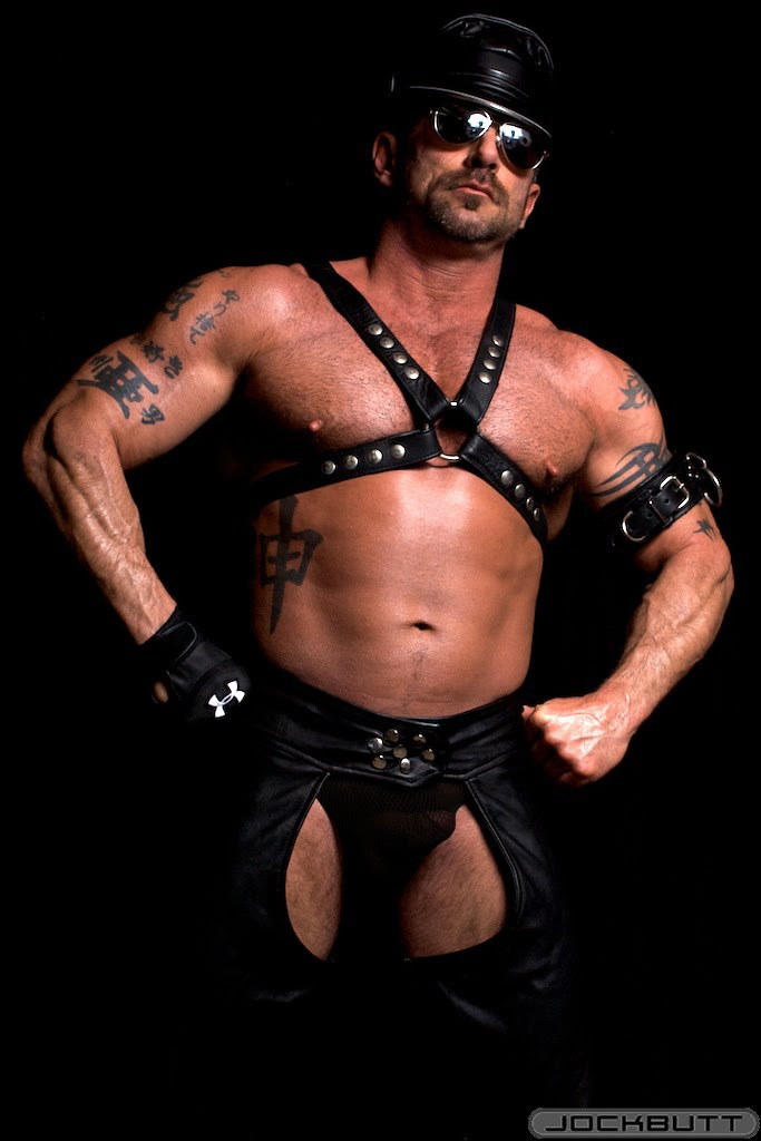from Manuel gay master leather pics free daddy