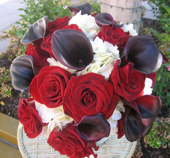 Black Calla Black Magic White Hydrangea This bridal bouquet is a striking