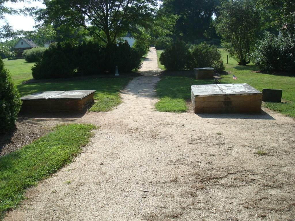 http://3.bp.blogspot.com/_iokxVPbLDY8/TJ98R8WIDFI/AAAAAAAAGJM/1eu_SCKFZZc/s1600/Red+Hill+Plantation.jpg